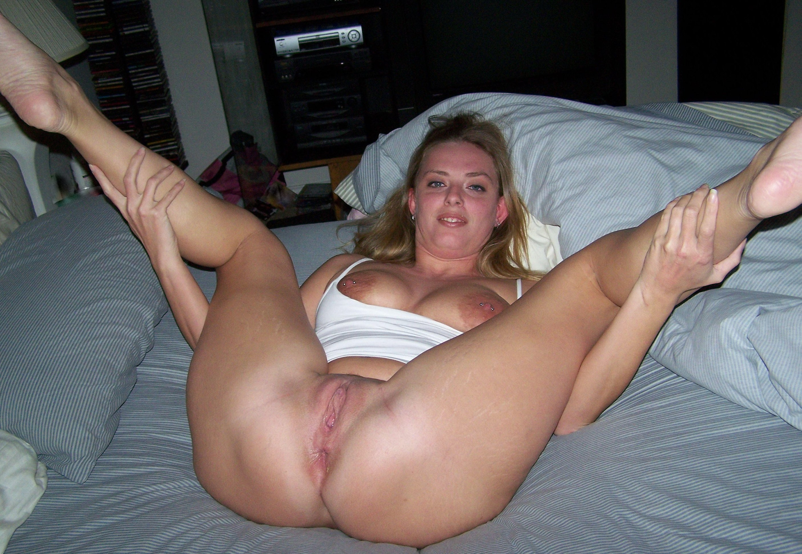 Real Amateur Wife Spread Pussy